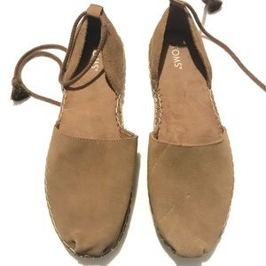 Toms suede Womens sandals  US10